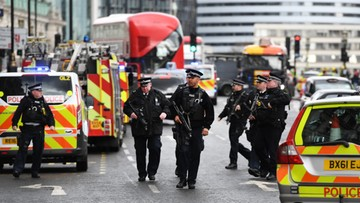 """22-03-2017 22:44 Londyn: ludzie taranowani autem. Później atak nożem i strzały. """"Pełne dochodzenie antyterrorystyczne"""""""