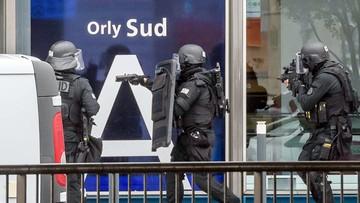 Zastrzelono mężczyznę na podparyskim lotnisku Orly. Napastnik był zradykalizowanym muzułmaninem