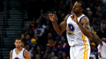 2015-11-21 NBA: Warriors coraz bliżej rekordu, wygrali czternasty mecz