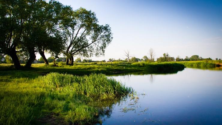 """""""Rz"""": prawo wodne może zatopić inwestycje nad rzekami. Tysiące warunków zabudowy straciły ważność"""