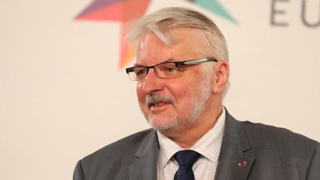 Waszczykowski rozmawiał z szefem MSZ Litwy o zbezczeszczeniu cmentarza na Rossie