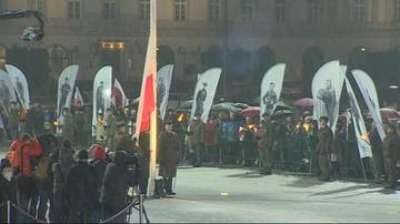 01-03-2016 19:00 Polska flaga na stałe na Placu Piłsudskiego w Warszawie