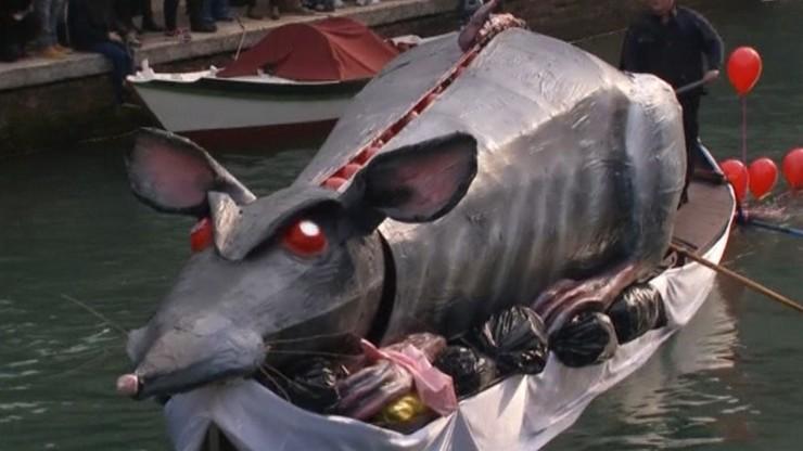 Wenecja przeżywa najazd turystów. Nadzwyczajne środki ostrożności