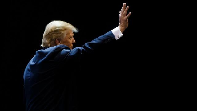 USA: Trump wzywa prezydenta Obamę do ustąpienia z urzędu