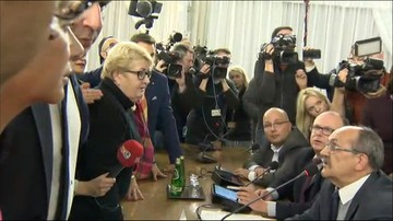 "05-10-2016 18:06 ""Awantura"". ""Chaos"". ""Skandal"". Sejmowa komisja obraduje nad projektem ""Stop Aborcji"""