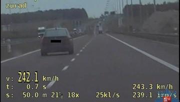 Jechał ponad 240 km/h. Wiózł dzieci