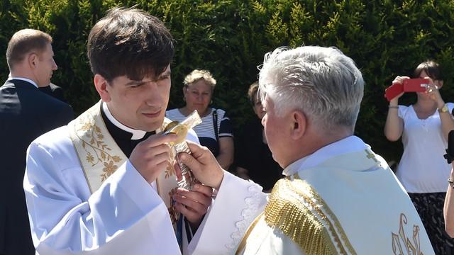 Ks. Tymoteusz Szydło, syn premier, odprawił mszę prymicyjną