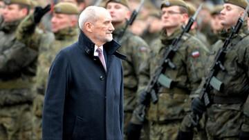 Szef MON: wycofałem wnioski o awanse generalskie, by umożliwić ośrodkowi prezydenckiemu swobodę działania