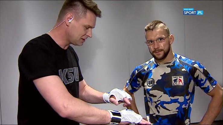 Gamrot zademonstrował reporterowi Polsatu Sport zejście do parteru