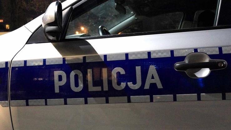"""Atak na policjantów w Łodzi. """"Napastnicy uderzyli w samochód, byli w kominiarkach"""""""