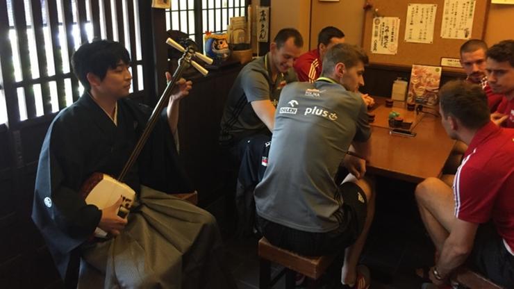 2016-05-24 Siatkarze w Japonii: Owoce morza, upominki i sparing z Iranem