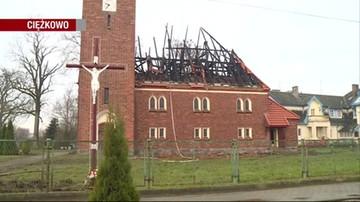 Spłonął dach kościoła i zabytkowe organy. 19 zastępów straży pożarnej w Ciężkowie