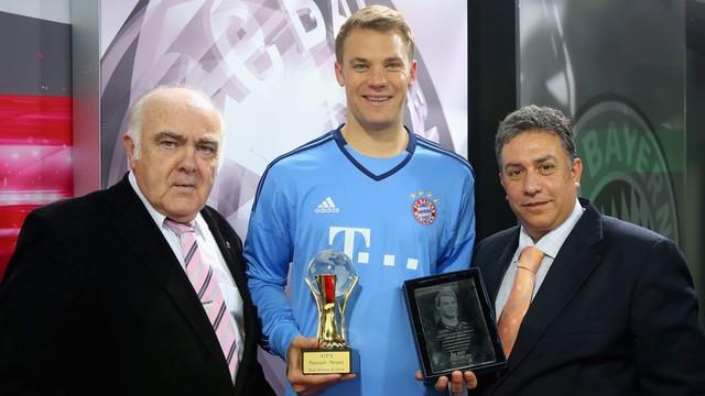 Piłkarski mistrz świata Neuer sportowcem roku w Europie i na świecie