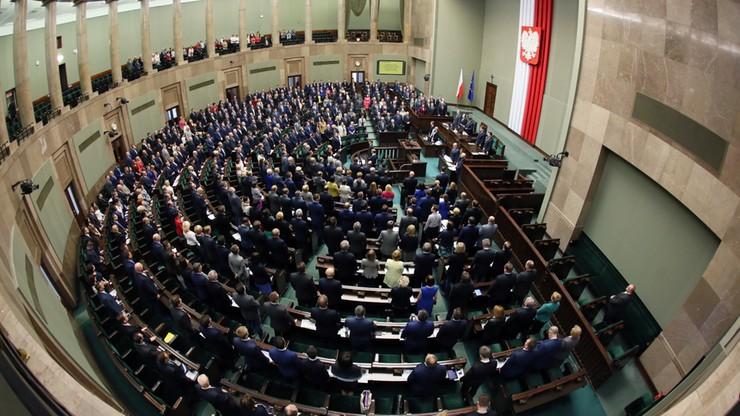 PiS złożyło w Sejmie projekt ustawy o TK. Swoją propozycję przedstawiło też PSL