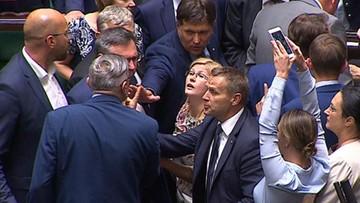 """19-07-2017 19:50 """"Poseł Lenz podszedł do mnie, uderzył i popchnął"""". Polityk PiS rozważa zawiadomienie prokuratury"""