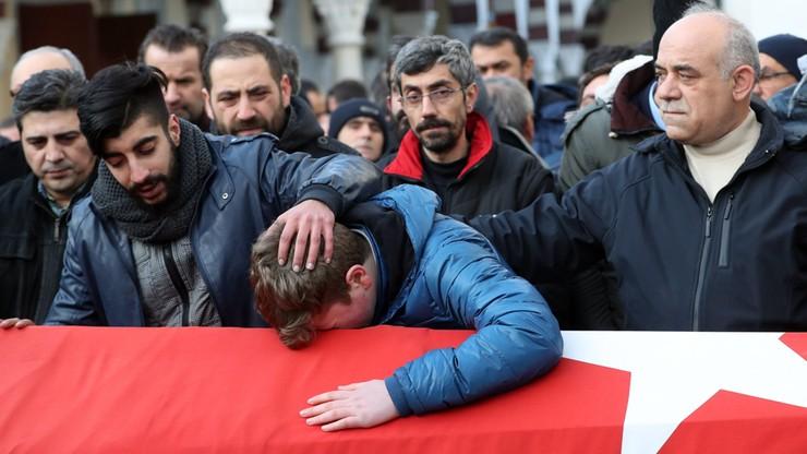 Już 25 cudzoziemców wśród zidentyfikowanych ofiar zamachu w Stambule