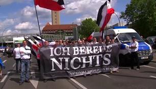 Niemcy: Marsz neonazistów w 30. rocznicę śmierci Rudolfa Hessa