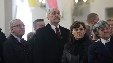 09-04-2016 22:19 Macierewicz i Lasek: spór o zdjęcia z badania katastrofy smoleńskiej