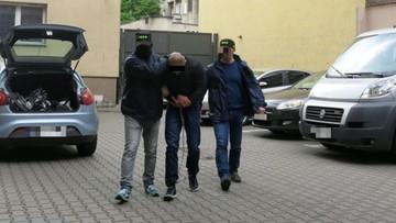 23-05-2016 08:00 Napadali na TIR-y, włamywali się do luksusowych posiadłości. CBŚP rozbiło gang, który działał od 17 lat