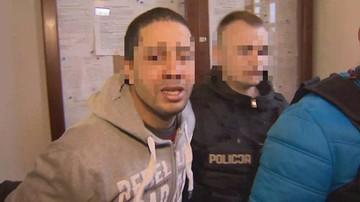 """""""Trzy rany kłute, jedna sięgająca serca"""". Algierczyk drugą osobą z zarzutem zabójstwa 21-latka"""