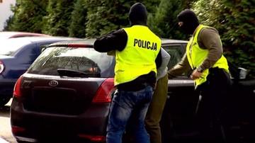 07-10-2017 12:40 Podejrzewany o zabójstwo w Wejherowie doprowadzony do prokuratury