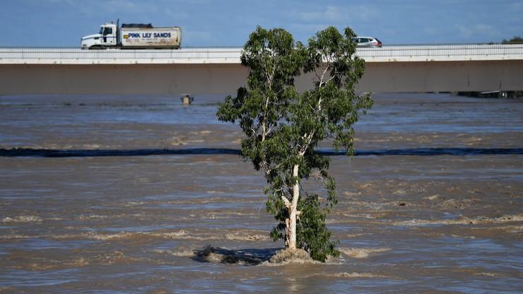 Już pięć ofiar śmiertelnych cyklonu Debbie w Australii