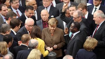 25-02-2016 12:14 Bardziej restrykcyjne prawo azylowe w Niemczech. Przyjął je Bundestag