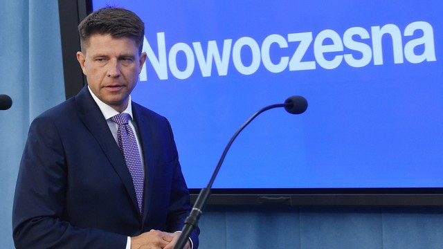 Nowoczesna: PO dołączyła do PiS z próbą rozgrywania katastrofy smoleńskiej