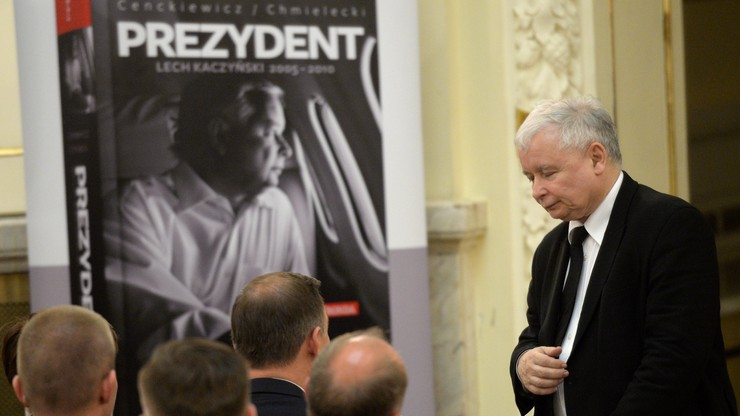 Prezydent, szefowa rządu i prezes PiS na premierze biografii Lecha Kaczyńskiego