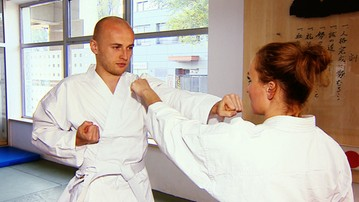 2015-10-25 CF: Kung-Fu Pazdan! Legionista na lekcji karate