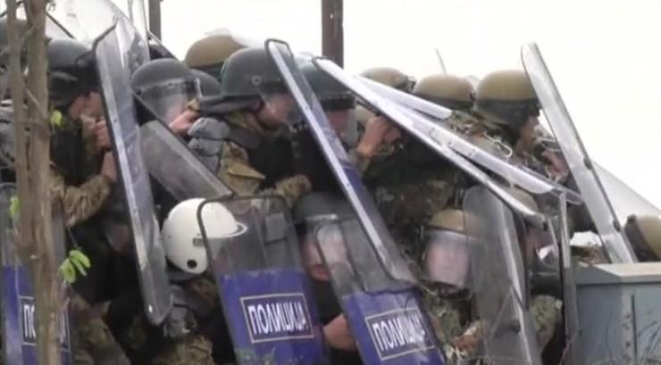 Macedonia: policja starła się z imigrantami