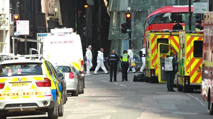Brytyjskie służby ratunkowe: 21 osób rannych w zamachu jest w stanie krytycznym