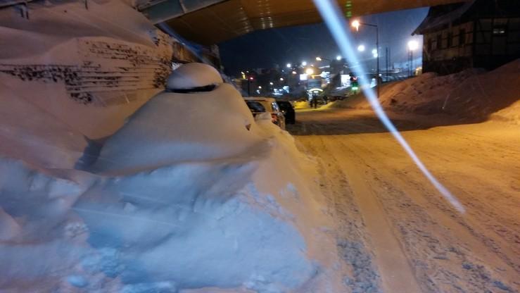 2017-01-06 Zieleniec pod śniegiem. Będzie co odśnieżać