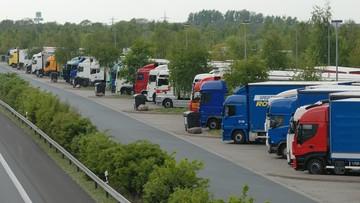 26-05-2017 11:08 Niemcy wprowadzili kary za 45-godzinny odpoczynek w kabinie ciężarówek. Polscy przewoźnicy mają problem