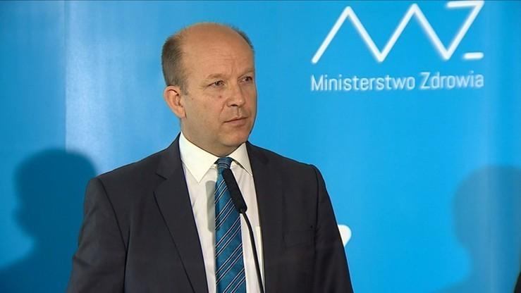 Minister zdrowia: piętnowanie kobiet za karmienie w miejscach publicznych jest nie do zaakceptowania