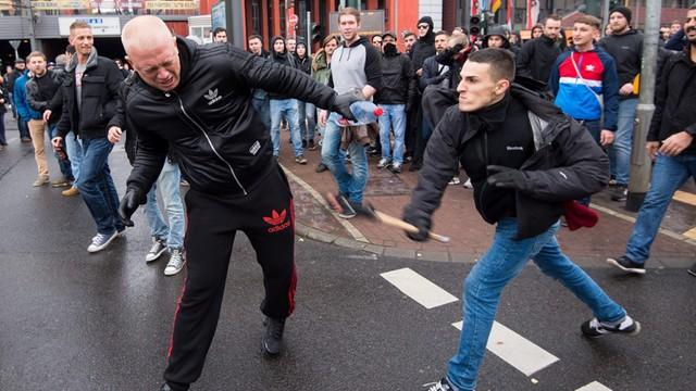 Niemcy: Wielotysięczny protest przeciwko demonstracji Chuliganów