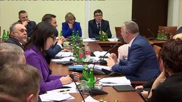 Chaos na komisji ustawodawczej. Posłowie przegłosowali przerwę do 7 stycznia... przez pomyłkę