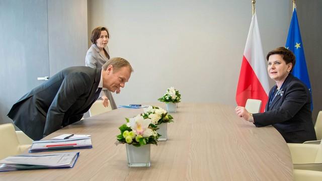 Tusk wzywa Polski rząd do przestrzegania zaleceń Komicji Weneckiej