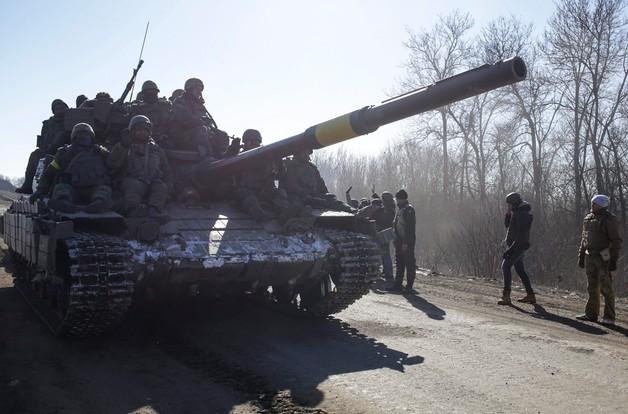 Ukraina: w walkach o Debalcewe 90 żołnierzy dostało się do niewoli