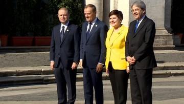 """2017-03-25 """"Musimy się uśmiechać"""". Szydło i Tusk pozowali do zdjęć"""