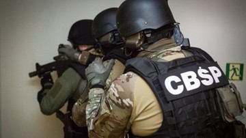 05-03-2017 16:49 Areszt dla dwóch funkcjonariuszy CBŚP, 16 ma już zarzuty