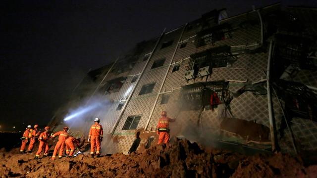 Chiny: Co najmniej 91 osób zaginionych po osunięciu ziemi