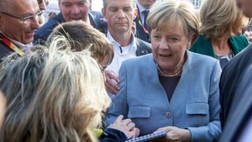 15-09-2017 19:21 Merkel grozi Węgrom konsekwencjami finansowymi ws. uchodźców
