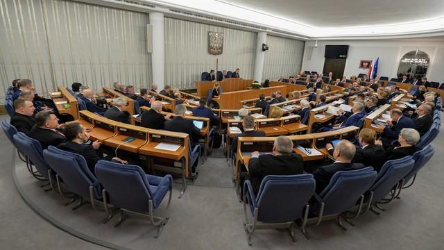 Senat zakończył debatę nad ostatnią ustawą PiS w sprawie TK