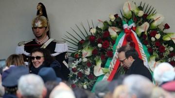23-02-2016 19:22 Tłumy na pogrzebie Umberto Eco w Mediolanie