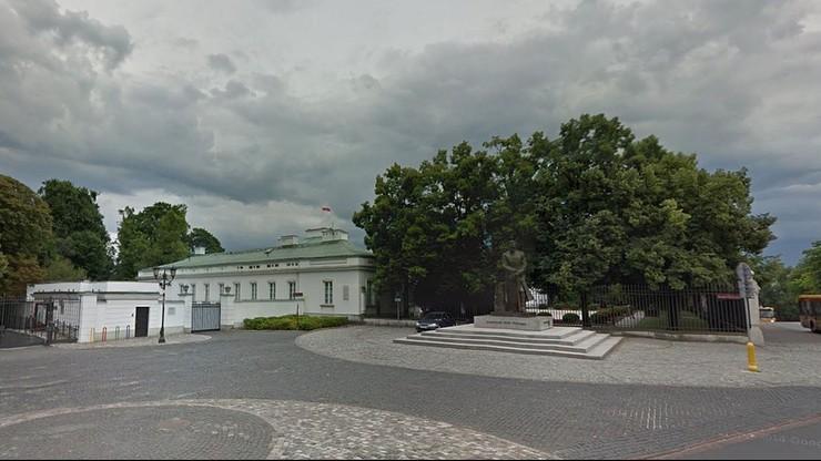 Dron latał w sobotę nad Belwederem. Biuro Ochrony Rządu zatrzymało Łotysza i dwie Rosjanki