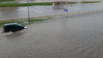 """Oberwanie chmury w Białymstoku. """"Pływające"""" samochody na ulicach"""