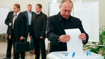 18-09-2016 14:00 Putin i Miedwiediew zagłosowali w wyborach do Dumy. Są sygnały o ich fałszowaniu