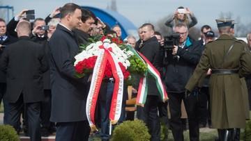 25-03-2017 12:33 Prezydenci Polski i Węgier złożyli kwiaty przed tablicą poświęconą Eugeniuszowi Sziklayemu