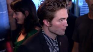 Robert Pattinson nie je nic poza tuńczykiem z puszki